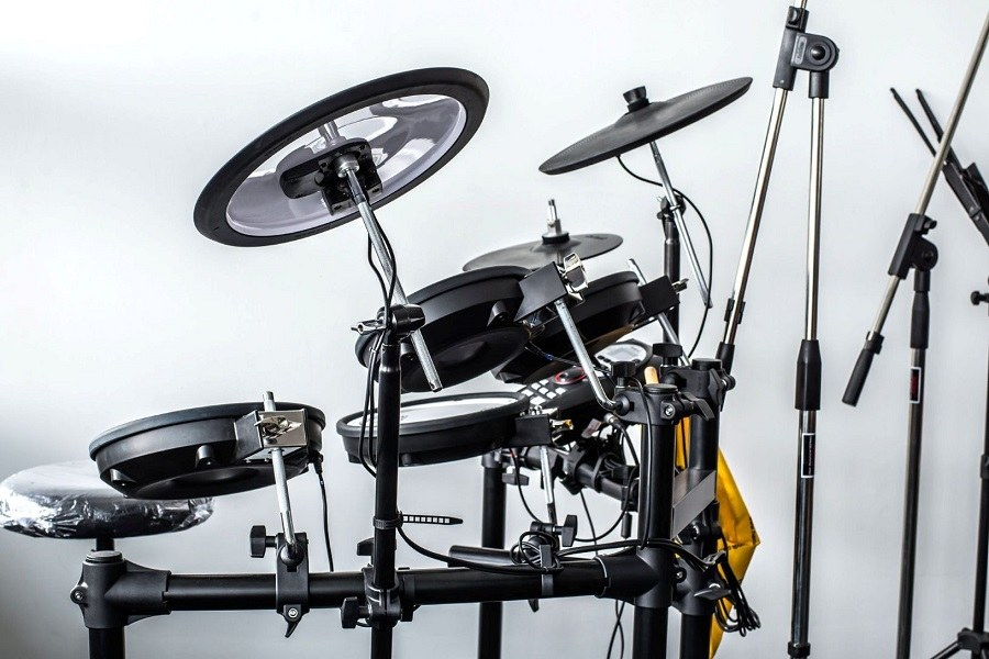 Alesis Nitro Kit Electronic Drum Set In Room