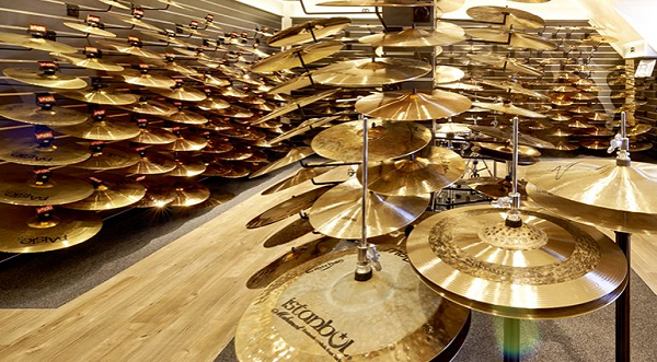 Many drum cymbals.